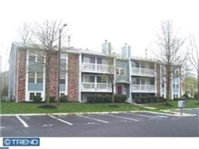 45 Kenwood Dr, Sicklerville, NJ 08081