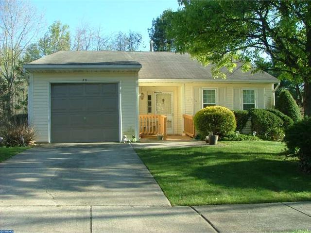 59 Lake View Ter Columbus, NJ 08022