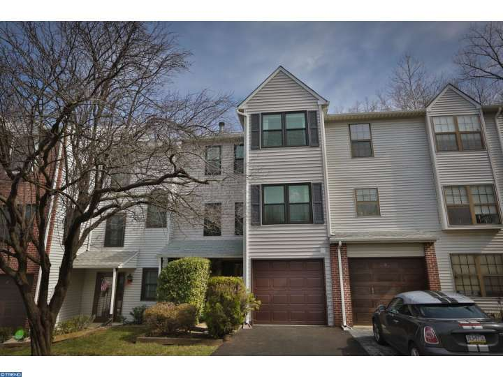 10 Holly Ct, Lafayette Hill, PA