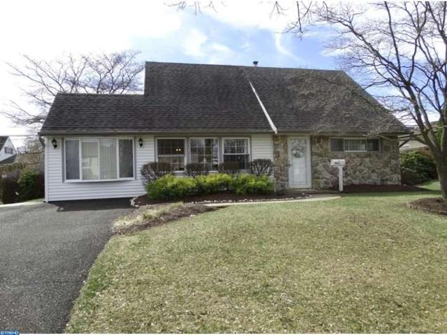 14 Canary Rd, Levittown PA 19057