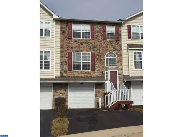 113 Regents Ct Malvern, PA 19355