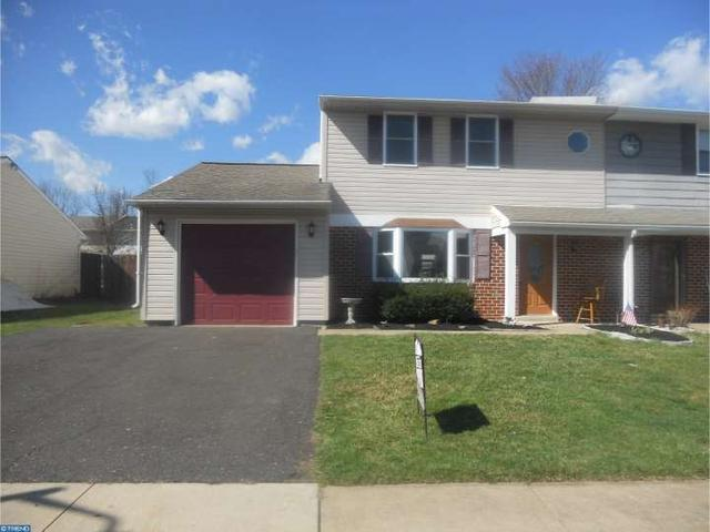 52 essex ct quakertown pa 18951 mls 6752068 for Kitchen cabinets quakertown pa