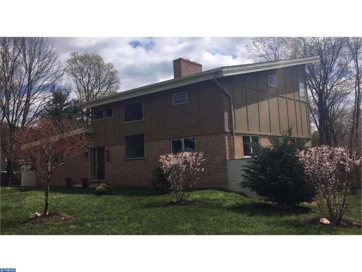 8306 Macarthur Rd, Glenside, PA