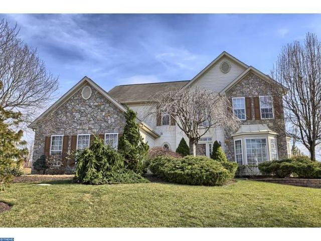 103 Maple Ln, Douglassville, PA