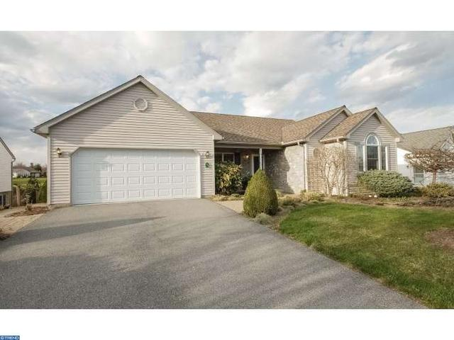 35 Scenic Dr Myerstown, PA 17067