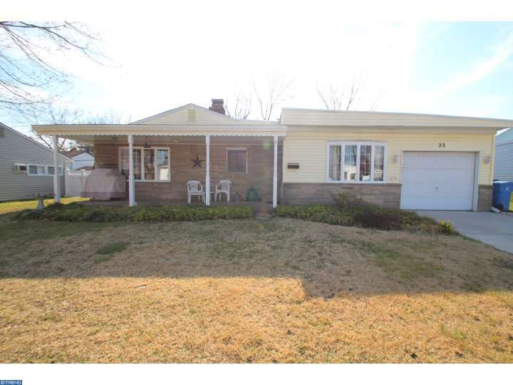 23 Gentle Rd, Levittown, PA