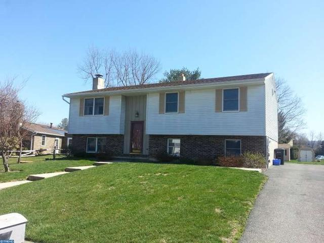 647 W Spring St Fleetwood, PA 19522