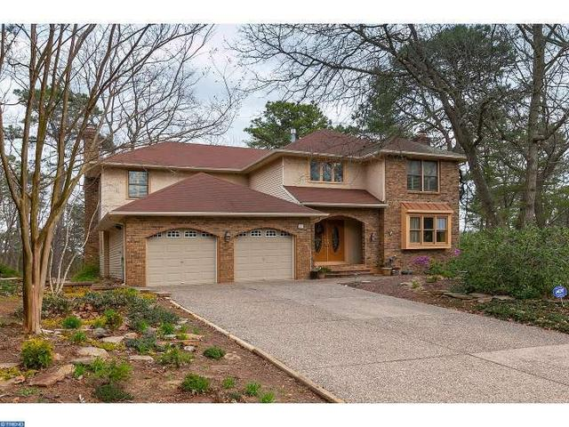 27 Signal Hill Dr, Voorhees NJ 08043
