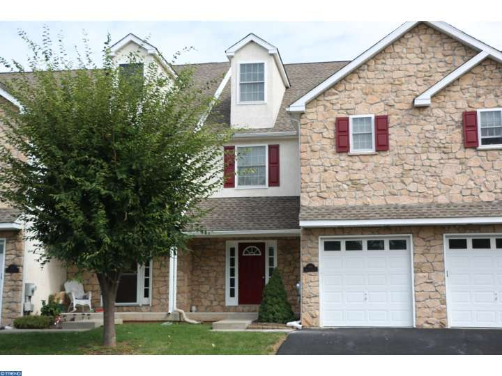 213 Bentley Dr, Collegeville, PA