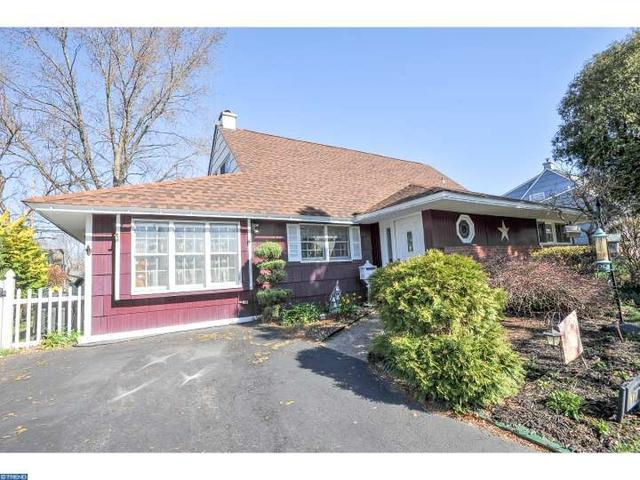 17 Hardy Rd, Levittown PA 19056