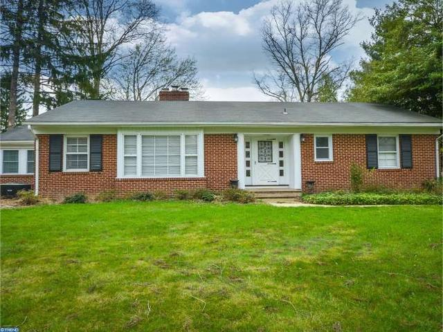 11 S Homestead Dr, Morrisville PA 19067