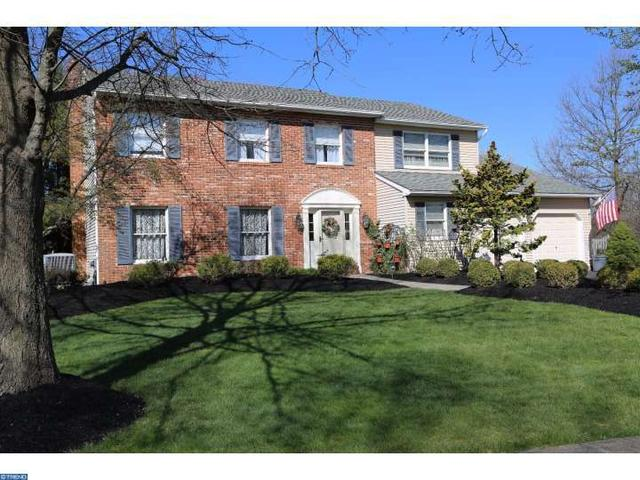 221 Holly Dr, Chalfont PA 18914