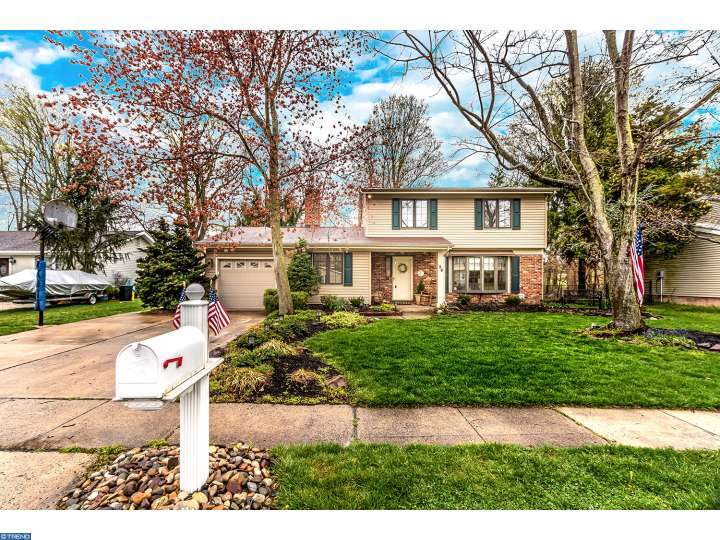 86 Golfview Dr, Sewell, NJ