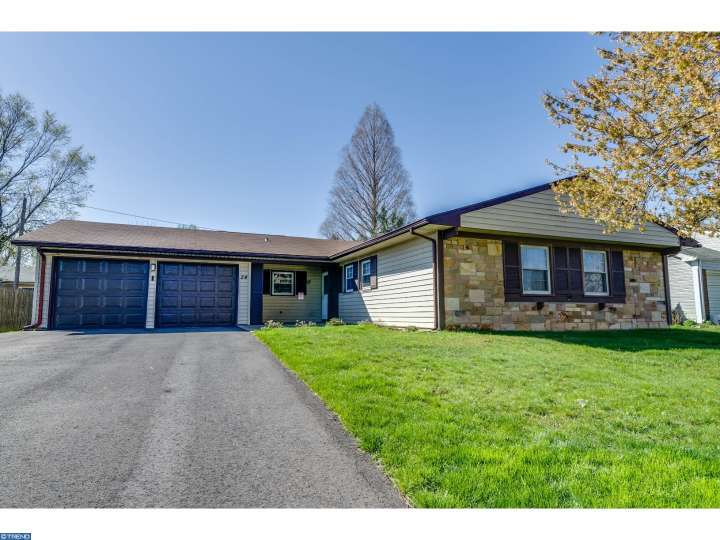 24 Gentry Ln, Willingboro, NJ 08046