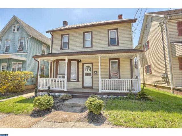 378 W Penn Ave, Robesonia, PA