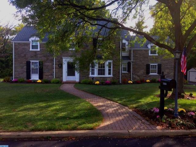 1334 Fairacres Rd, Jenkintown PA 19046