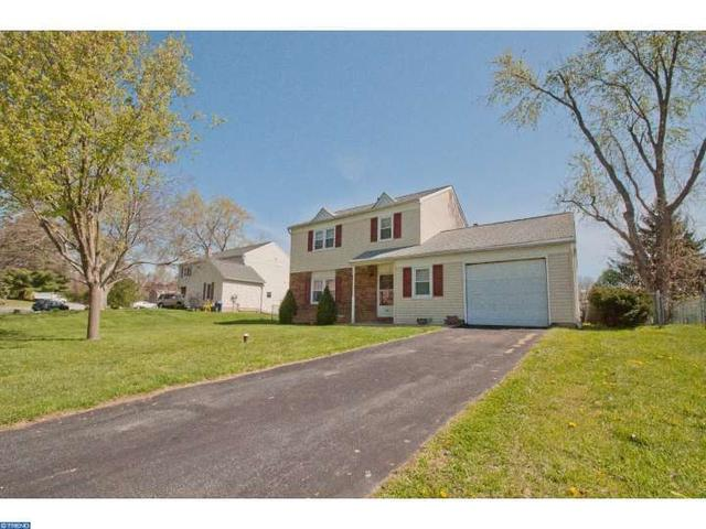 2617 Pennlyn Dr, Marcus Hook PA 19061