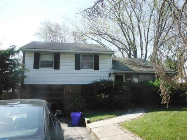 2924 Larkspur Ln, Clifton Heights PA 19018