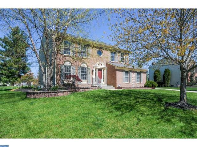 15 Broadacre Dr, Mount Laurel, NJ 08054