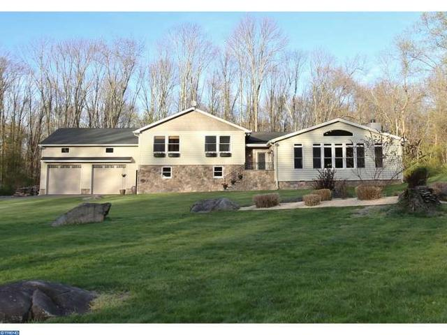 46 Stony Brook Rd, Hopewell, NJ 08525