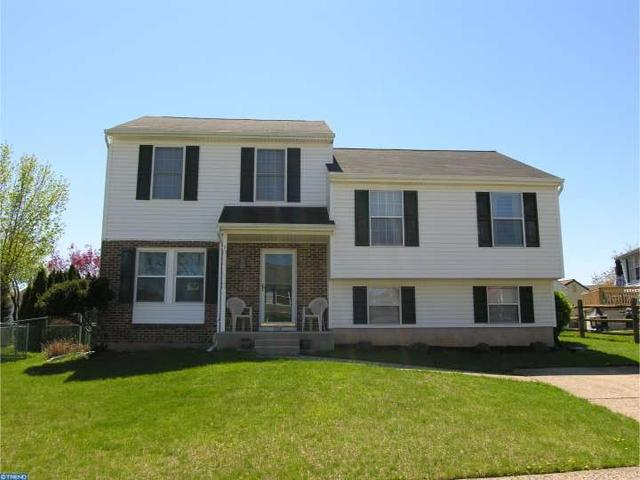128 Penns Grant Dr, Morrisville PA 19067