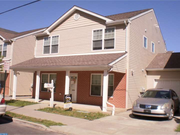 2010 W 3rd St, Chester, PA