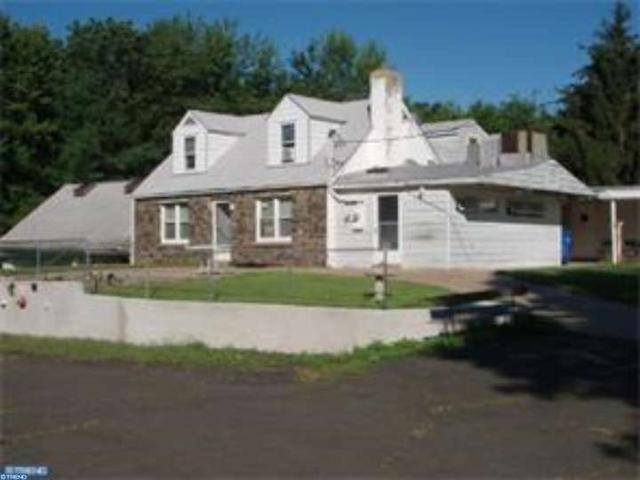 23 Featherbed Ln, Hopewell, NJ 08525