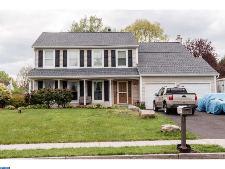 83 Rice Dr, Morrisville, PA