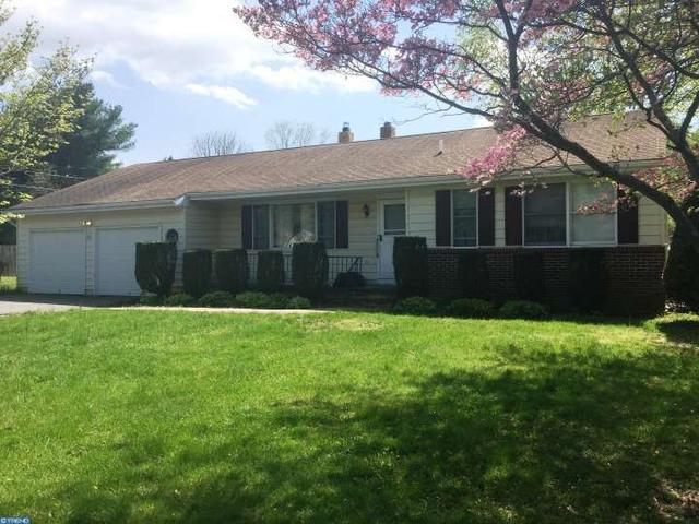 82 Chesterfield Jacobstwn Rd, Wrightstown, NJ 08562