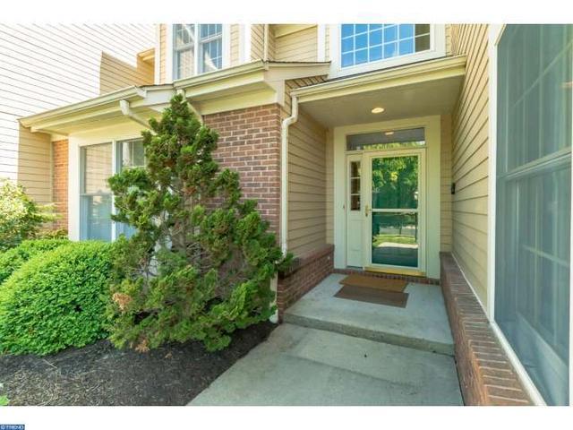 5 Green Leaf Ct, Princeton, NJ 08540