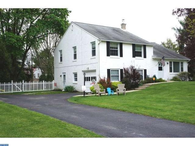 122 Westminster Dr, Wallingford PA 19086
