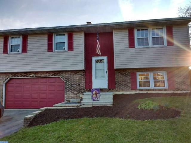 640 W Spring St Fleetwood, PA 19522