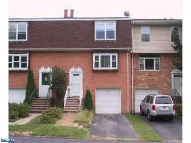22 Featherbed Ct, Lawrence Township, NJ
