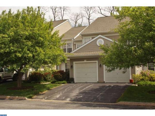 136 Jeffords Ct Phoenixville, PA 19460