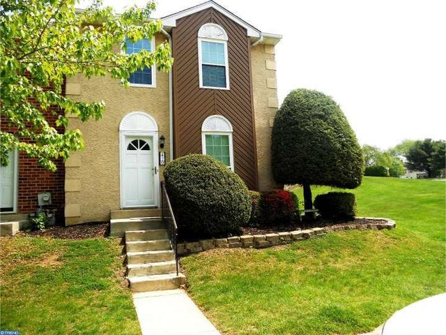 420 Cedarcrest Ln, Aston PA 19014