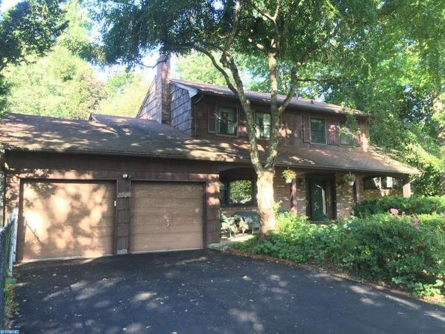 160 Dorchester Dr, East Windsor, NJ 08520
