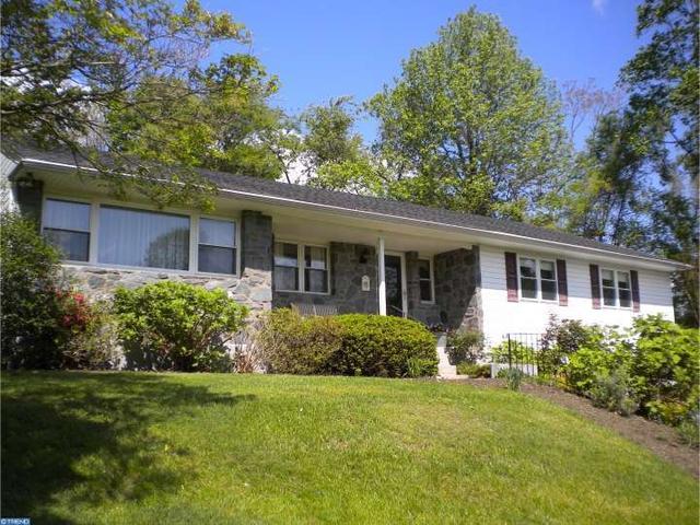 628 Brooke Ln, Glen Mills, PA