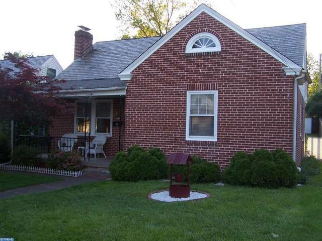 621 Willow St, Stowe PA 19464