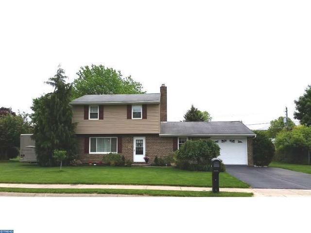 324 W Spring St Fleetwood, PA 19522
