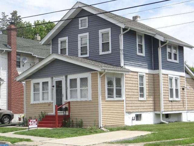 127 W Elbon Rd, Brookhaven PA 19015