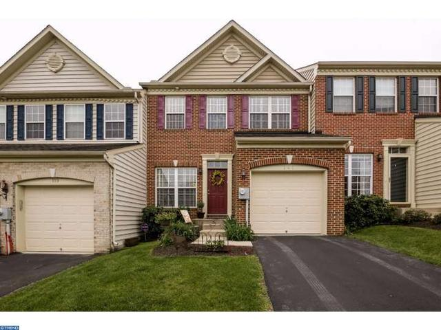 121 Penns Manor Dr, Kennett Square, PA