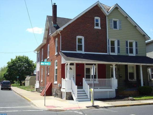 700 W Broad St, Quakertown, PA
