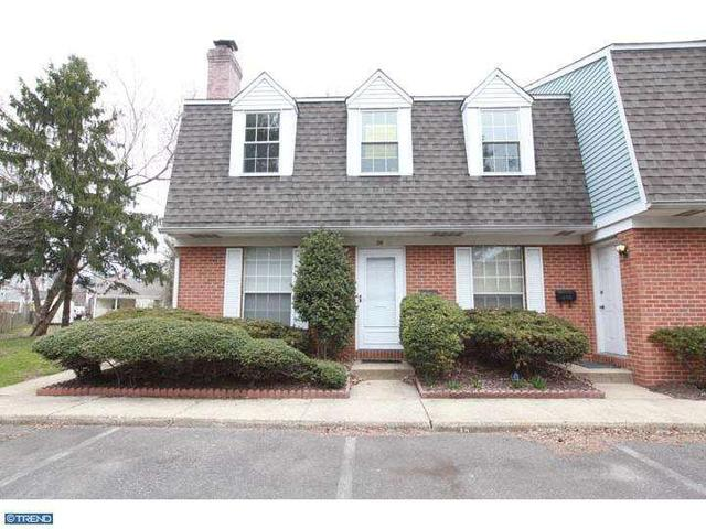 303 Dawson St #APT 201, Moorestown, NJ