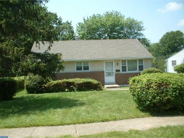 2394 2nd Ave, Marcus Hook PA 19061