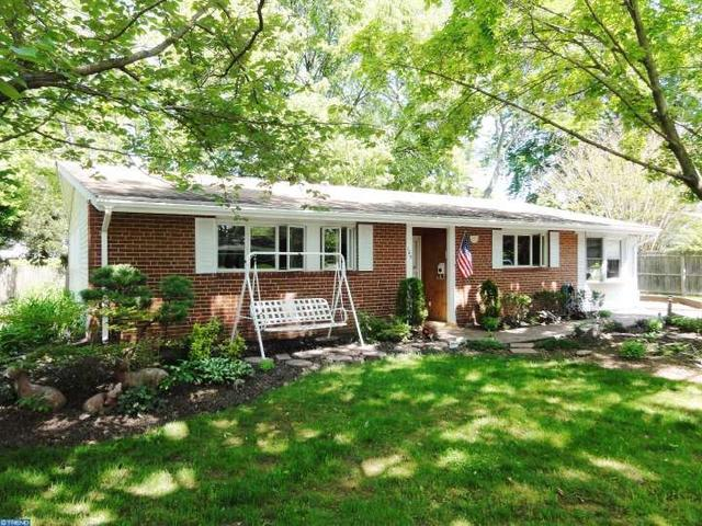 105 Colonial Dr, Norristown, PA