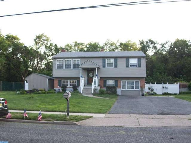 123 Woodview Ln, Riverton, NJ