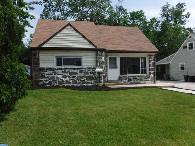 928 Brook Ave Clifton Heights, PA 19018