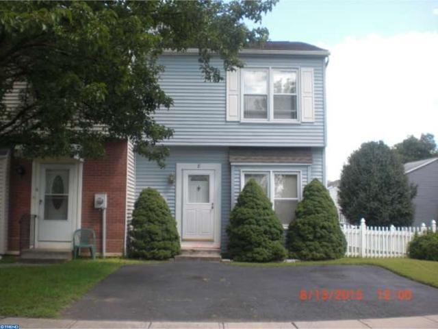 8 Kent Ct, Lawrence Township, NJ