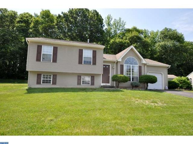 20 Carey Cir, Burlington, NJ 08016