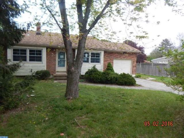 32 Woodbrook Rd Blackwood, NJ 08012